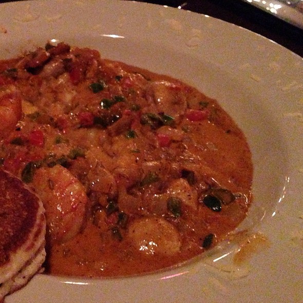 Shrimp and Grits - Puckett's 5th & Church, Nashville, TN