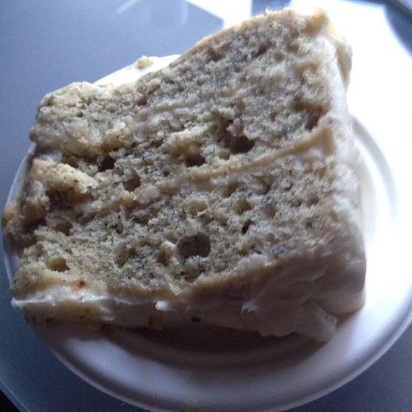 Banana Amaretto Cake @ Simply Desserts