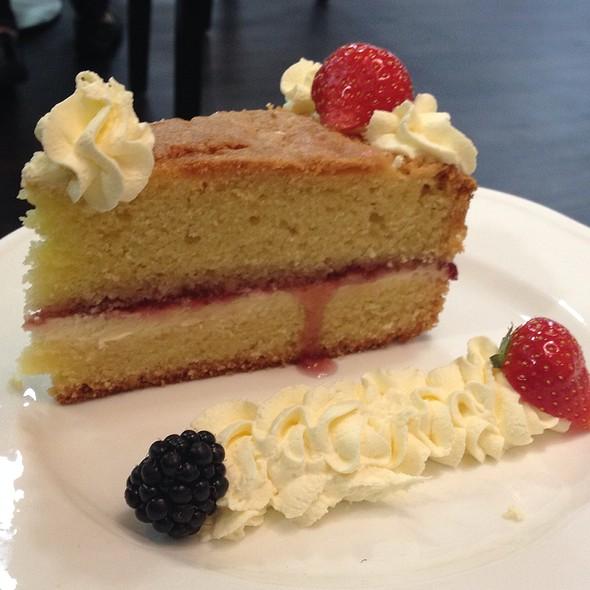 Victoria sponge cake @ Edwardian Tea Room