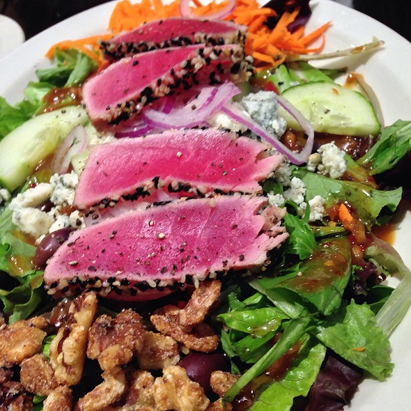 Grilled Rare Tuna Salad - Arturo's Ristorante, Westborough, MA
