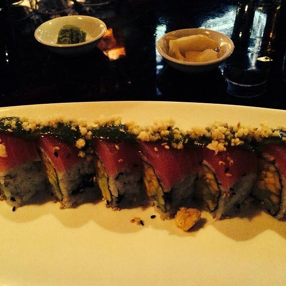 Hawaiian Breeze Roll @ Sushi Bistro