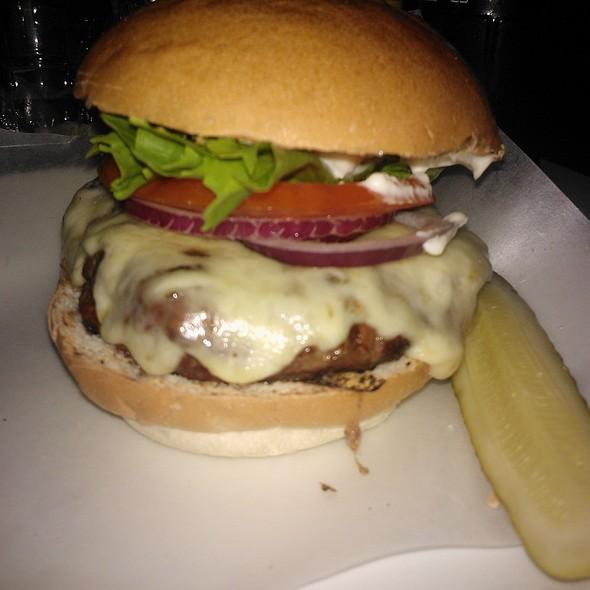 Cheese Burger @ Byron Proper Hamburgers