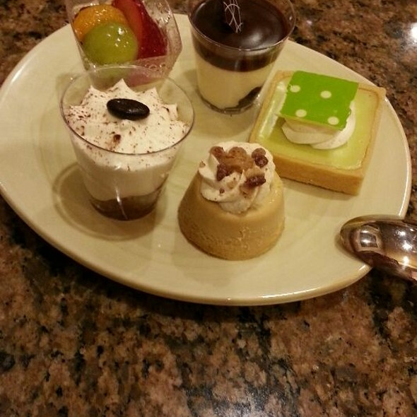 Miniature Desserts @ MGM Grand Buffet