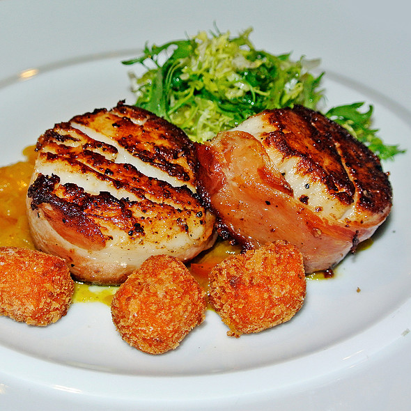 Seared Scallops and Serano Ham @ NAO - New World Flavors
