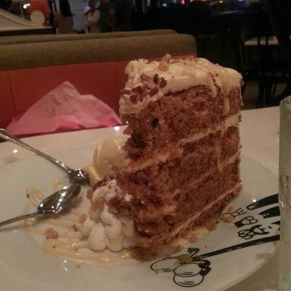 Carrot Cake @ Serendipity 3