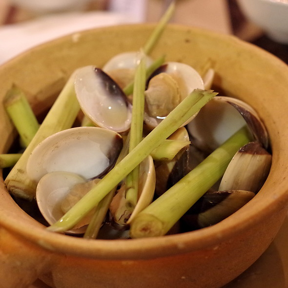 Lemongrass Clams