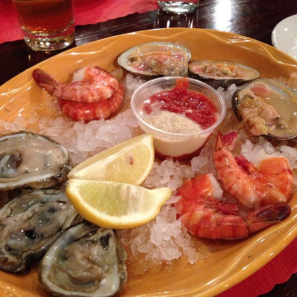 Raw Bar @ Roland's Seafood Grill