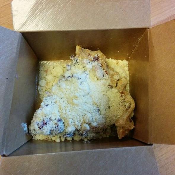 Pies, Cakes, & Deserts @ Bipartisan Cafe
