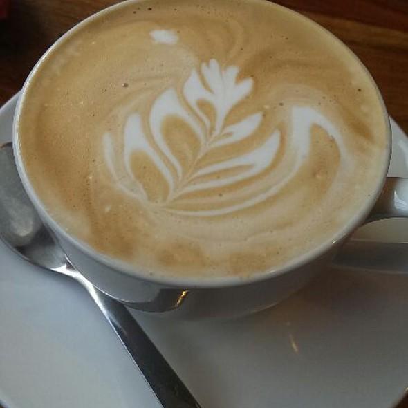 Flat White Coffee @ The Oxford Coffee Club