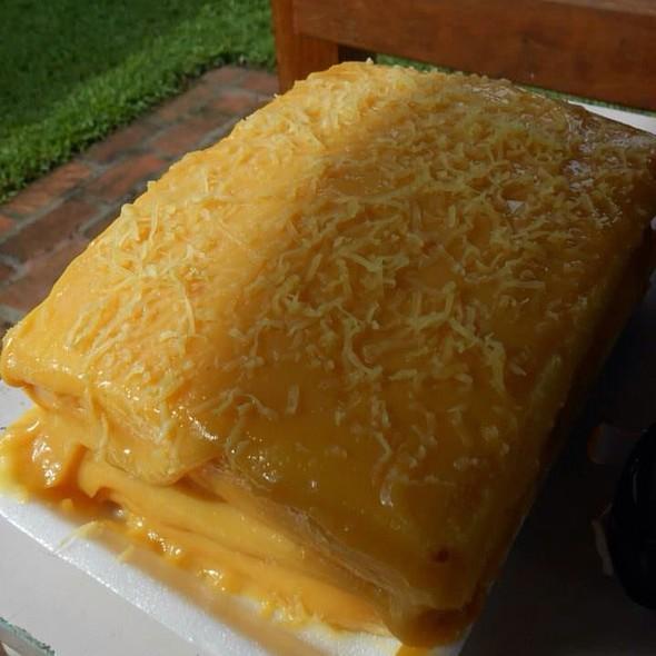 Rodillas Yema Cake @ beebee's home