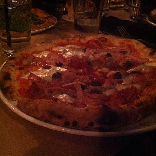 Wood fired Pizza @ Fritti