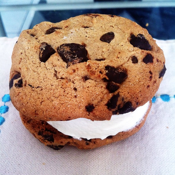 Chunky Chocolate Chip Cookies Vanilla Ice Cream Sandwich @ Sobeys