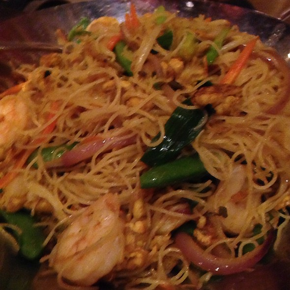 Singapore Rice Noodles With Shrimp - Howard Wang's Uptown China Brasserie, Dallas, TX