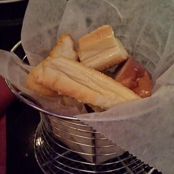 Garlic Bread - Frank and Dino's, Boca Raton, FL