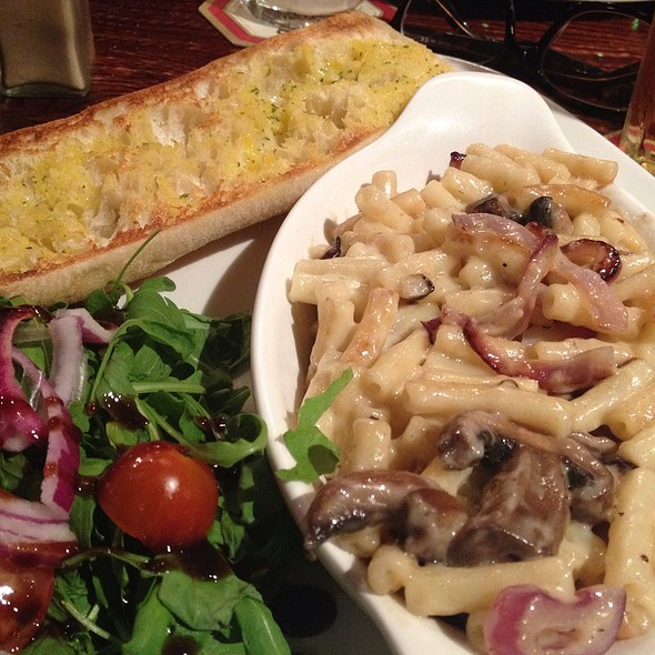 Truffled Macaroni and Cheese @ The Speckled Hen