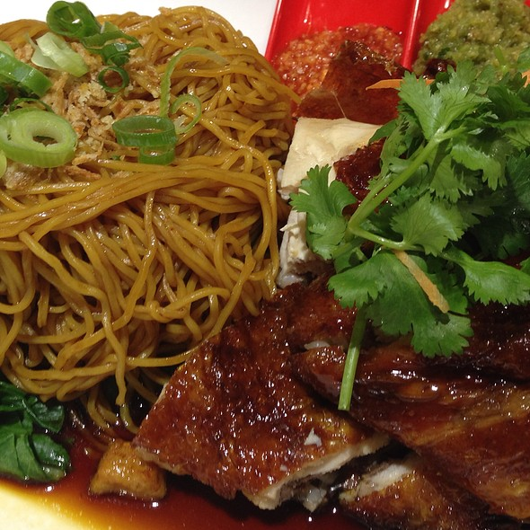 Malaysian Hawker Style Egg Noodles With Roast Chicken