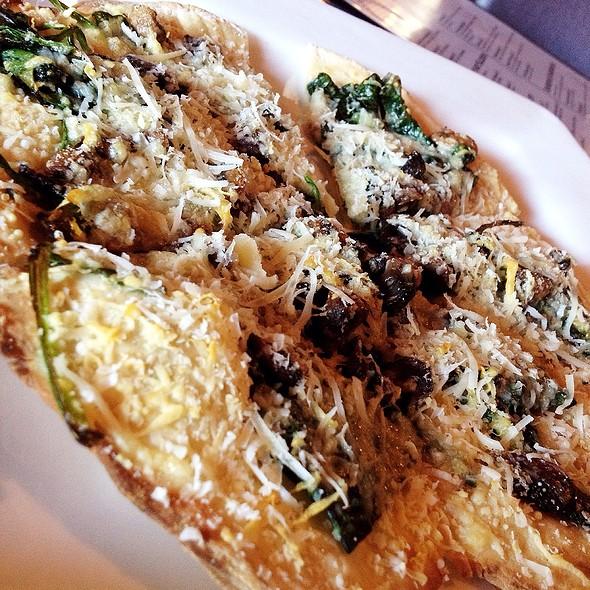 Mushroom, Spinach, & Parmesan Flatbread @ Embers Grill + Spirits