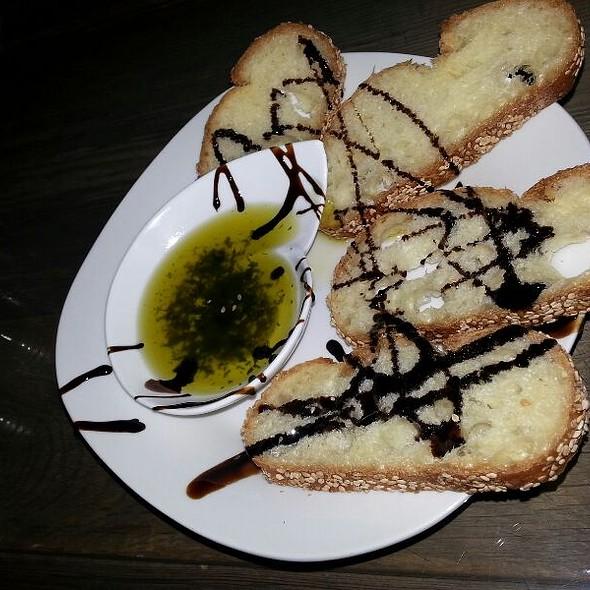 Bread & Balsamic