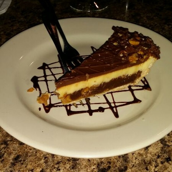 Snickers Cheesecake @ Misty's