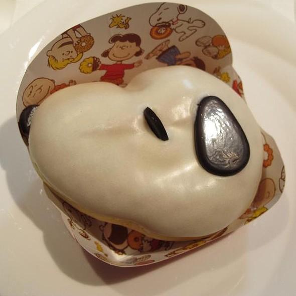 Snoopy Doughnut @ Mister Donut