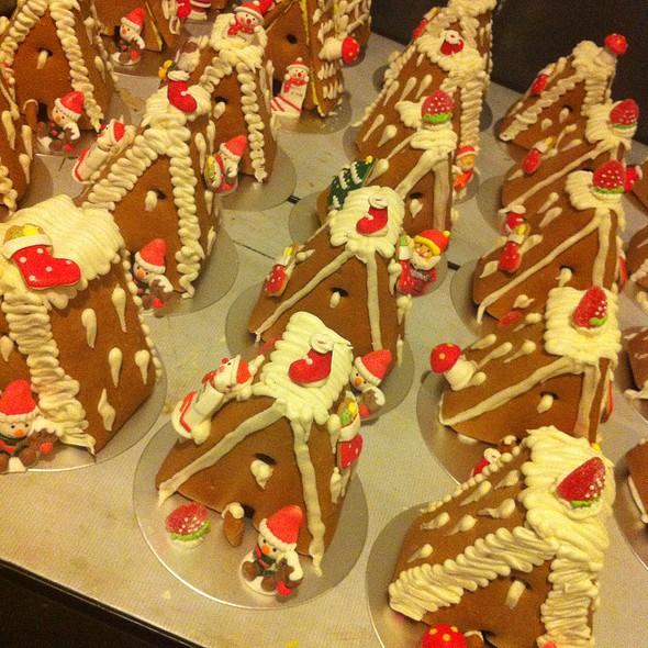 Mini Gingerbread House @ Parkyard Hotel Shanghai