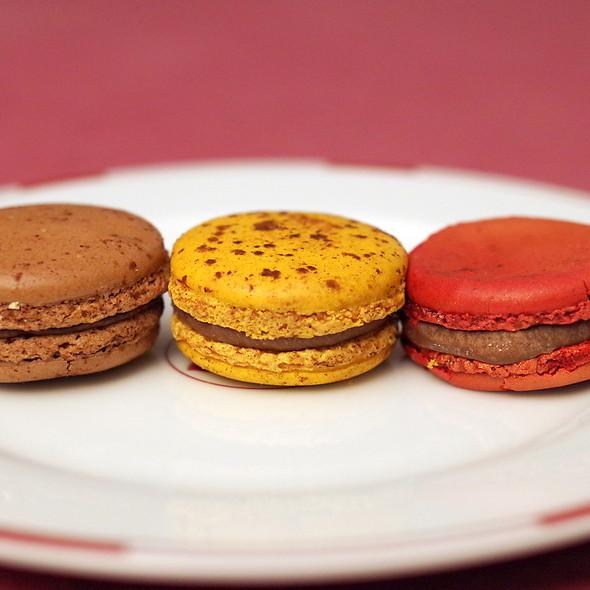3 chocolate macaron @ Pierre Herme