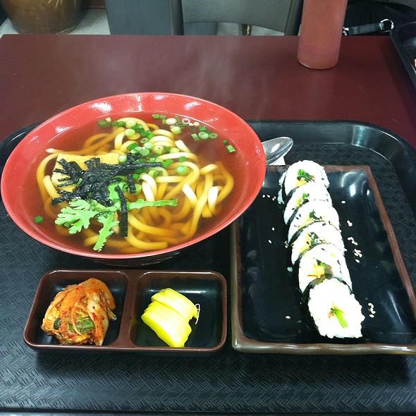 38.  Udong & Kimbap @ Yami (Inside Lotte Supermarket)