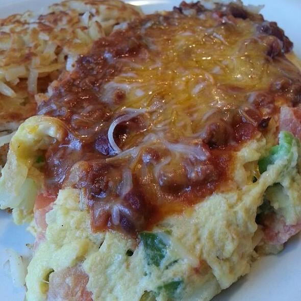 Chili Omelette @ Art's Skillet