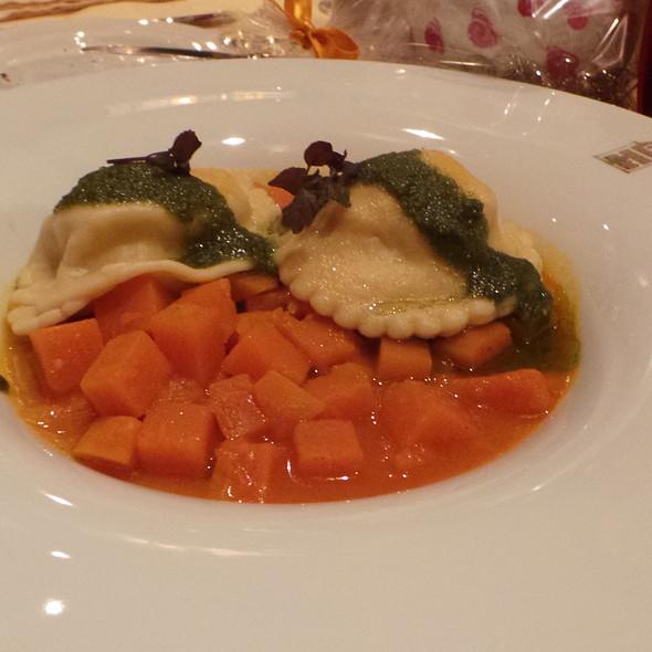 Prawn ravioli   Pumpkin   Mandarin   Basil @ Weinhaus Tante Anna