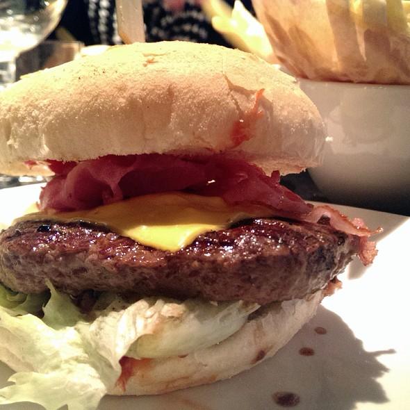 Meatlover by Dierendonck @ Ellis Gourmet Burger