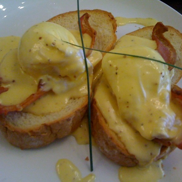Eggs Benedict @ Liberty Grill Ltd