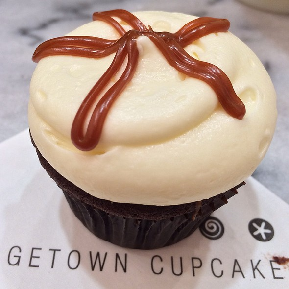 Sticky Toffee Pudding Cupcake @ Georgetown Cupcakes