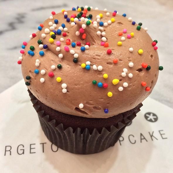Double Milk Chocolate Birthday Cupcake @ Georgetown Cupcakes