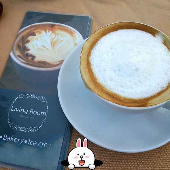 Hot Cappuccino At Living Room Bistro Hua Hin
