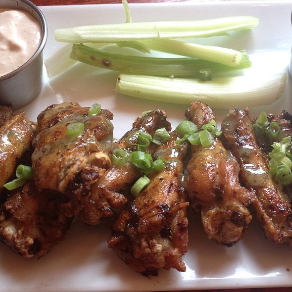 Wings @ Growler's Brew Pub