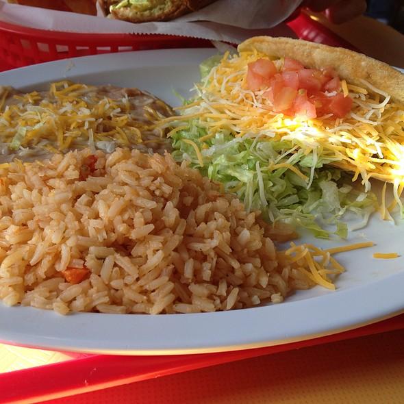High Quality Crispy Chicken Taco Combo At El Patio