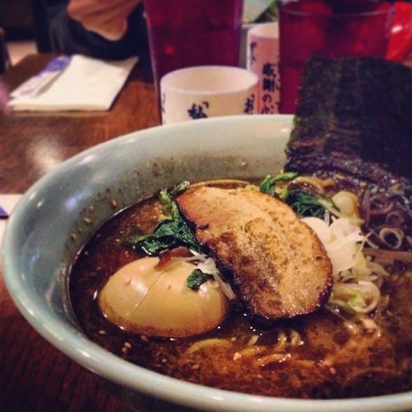 Black Garlic Ramen @ Yokohama Iekei Ramen