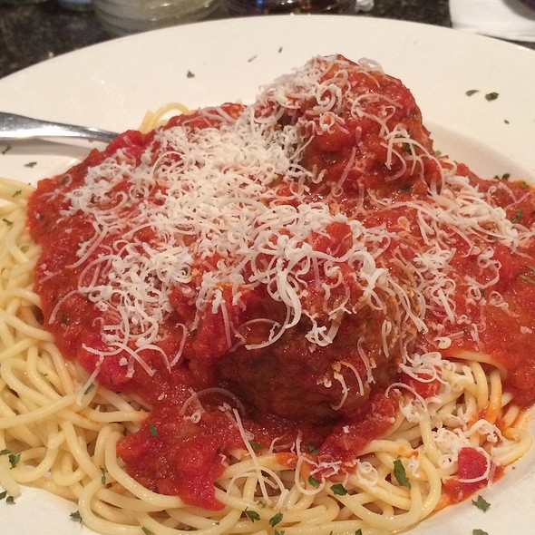 Spaghetti and Meatballs @ Piesanos
