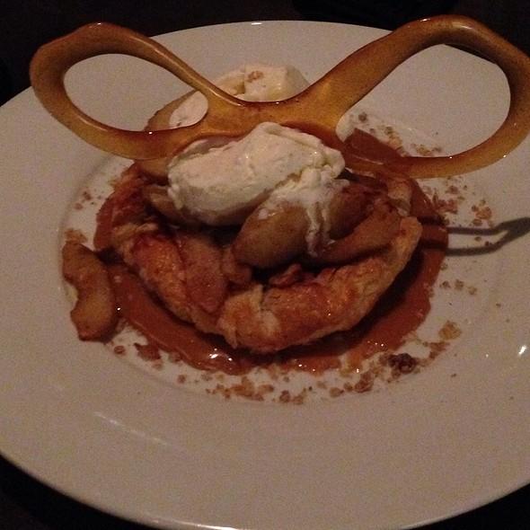 Apple Pie - The Metropolitan, Calgary, AB