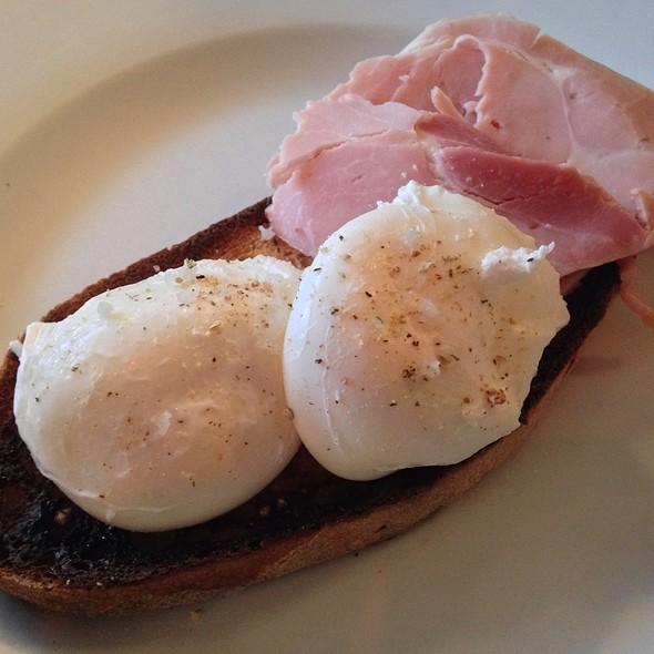 Poached Eggs, Ham & Sourdough Bread