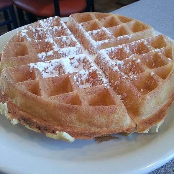 Belgian Waffle @ Art's Skillet