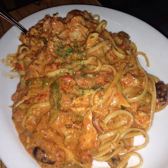 Spicy Seafood Fettuccini