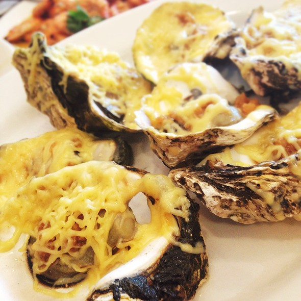 Baked Oysters @ Royal Kitchen, Seaside Dampa Macapagal