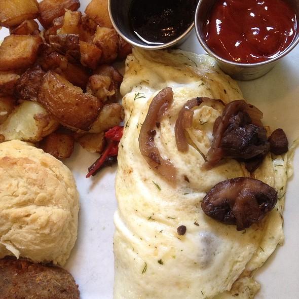 Free Range 3-Egg Omlet @ Laughing Seed Cafe