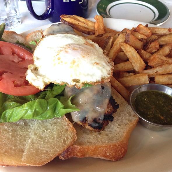 Chorizo burger - Logan Tavern, Washington, DC