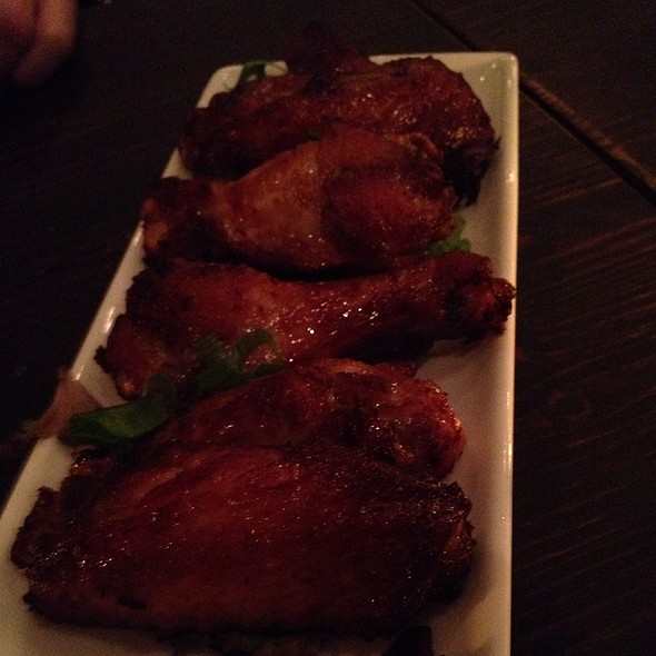 Spicy Thai Chicken Wings @ Tum & Yum