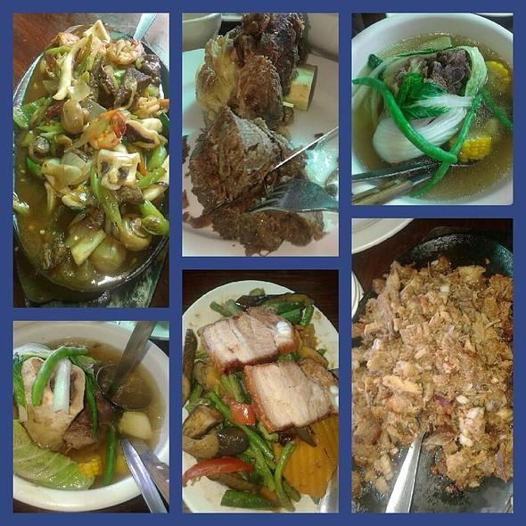 Beef Bulalo @ Leslie's Restaurant, Tagaytay