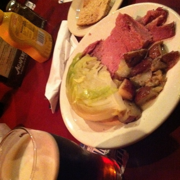 Corned beef and cabbage @ Blarney Stone