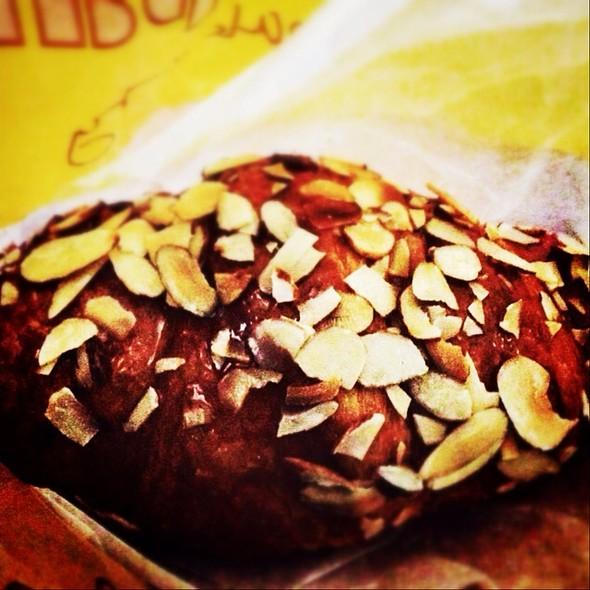 Almond croissant @ Au Bon Pain at Westchester Medical Center