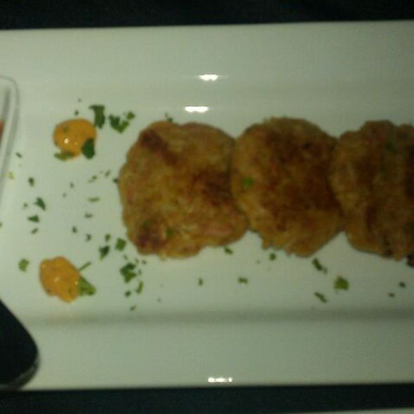 crab cake @ Catch 22 Seafood Lounge